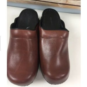 Lands End Leather Clogs Red Womens Slip On Shoes